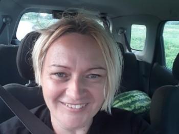 susan 42 éves társkereső profilképe