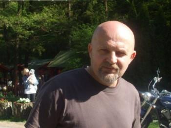 Valaki11 61 éves társkereső profilképe
