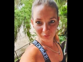 Betti14 38 éves társkereső profilképe