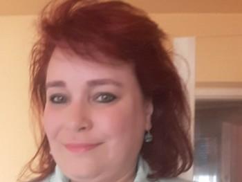 Lexandra 50 éves társkereső profilképe