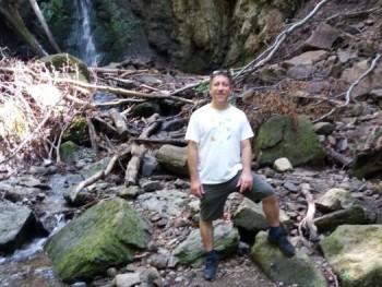 Hegyi vándor 46 éves társkereső profilképe