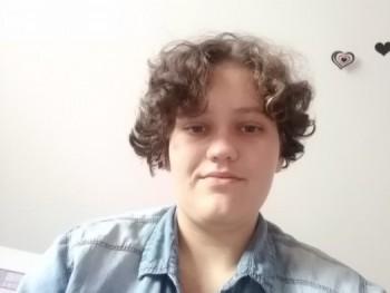 Kgam 17 éves társkereső profilképe