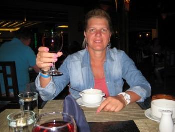 Lusi12 45 éves társkereső profilképe