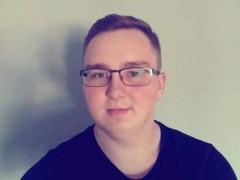 Adam19 - 20 éves társkereső fotója