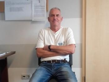 Zolli 61 éves társkereső profilképe
