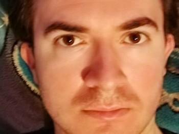 Andris100 31 éves társkereső profilképe