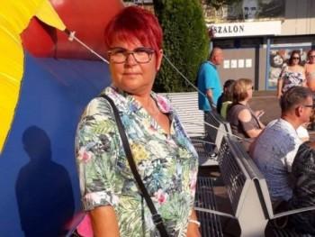 közösség társkereső társkereső nő albán
