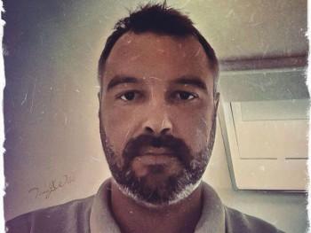 szinyesz1983 36 éves társkereső profilképe