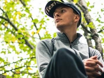 Szilveszter 5 21 éves társkereső profilképe