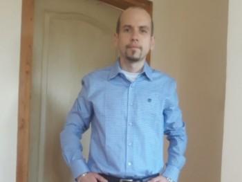 Szrudi 44 éves társkereső profilképe