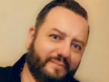 edes ember 32 éves társkereső profilképe
