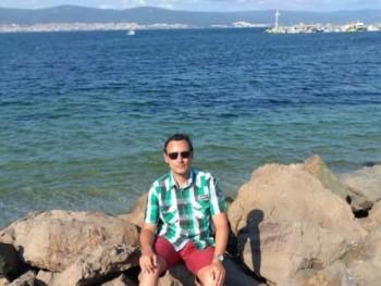 István828 37 éves társkereső profilképe
