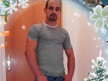 Laci mackók a 28 éves társkereső profilképe