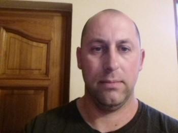istván3434 35 éves társkereső profilképe