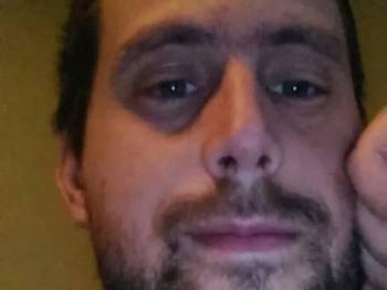 davepoetry 27 éves társkereső profilképe