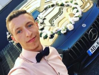 Csák Tamás 19 éves társkereső profilképe
