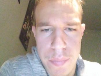 Patrik Ezsi 21 éves társkereső profilképe