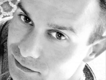 Sárkány Dávid 33 éves társkereső profilképe
