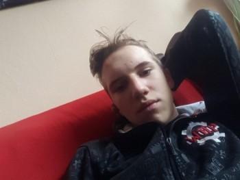 zolika18 16 éves társkereső profilképe