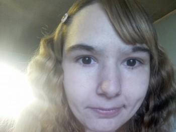 luszitoth18 23 éves társkereső profilképe