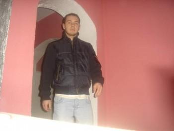 szlaci10 35 éves társkereső profilképe