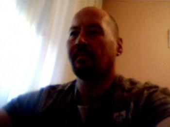 tomoo 42 éves társkereső profilképe