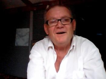 Satya 62 éves társkereső profilképe