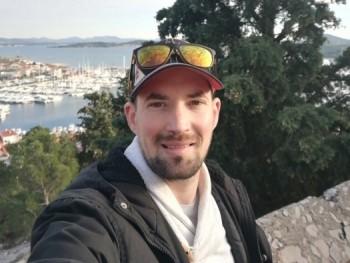 jzsolesz 31 éves társkereső profilképe