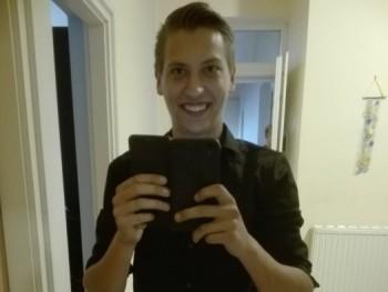 Gabor9611 23 éves társkereső profilképe