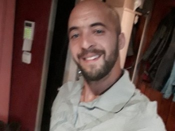 zzforgo 32 éves társkereső profilképe