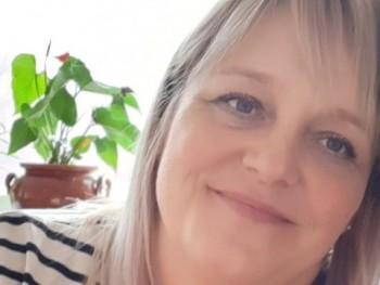 FKrisztina 44 éves társkereső profilképe
