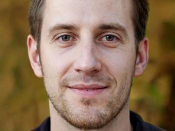 Dig 28 éves társkereső profilképe