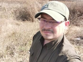 Gzoli 45 éves társkereső profilképe