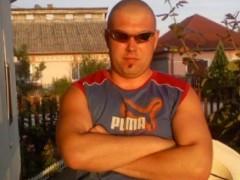 István1985 - 34 éves társkereső fotója