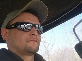 józsef02 41 éves társkereső profilképe