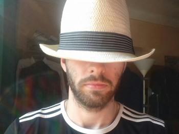Matiász 24 éves társkereső profilképe