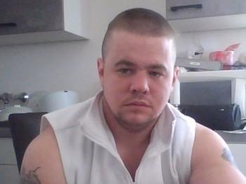 Dénes30 28 éves társkereső profilképe