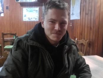 Hóbor Attila 30 éves társkereső profilképe