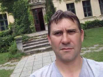 Levente77 44 éves társkereső profilképe