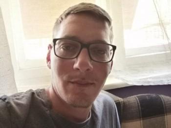 Himre 30 éves társkereső profilképe