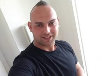 Karcsiii 26 éves társkereső profilképe