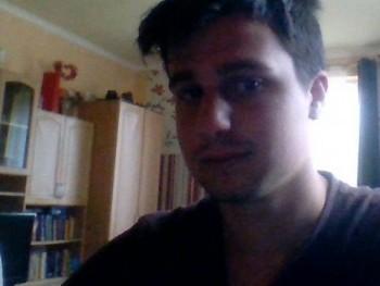 KraveczTamás1234 20 éves társkereső profilképe