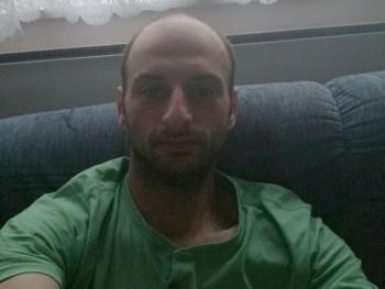 roll13 33 éves társkereső profilképe