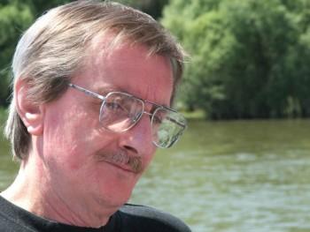 A László 66 éves társkereső profilképe
