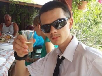 me262 18 éves társkereső profilképe