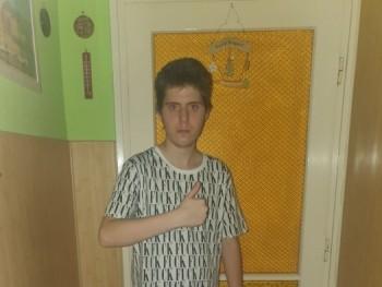levente2003 17 éves társkereső profilképe
