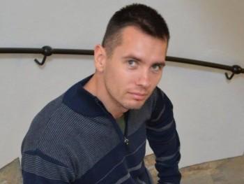 bobalybalint 34 éves társkereső profilképe