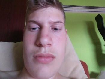 xxlevente 17 éves társkereső profilképe