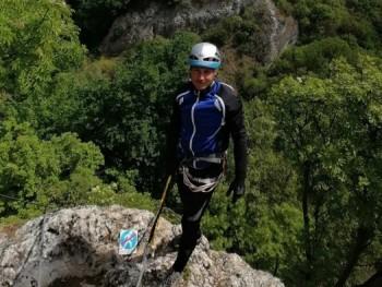 góré 46 éves társkereső profilképe