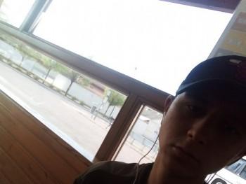 Szabó Flórián 20 éves társkereső profilképe